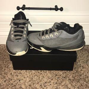 Jordan CP3.V111 BG (cool grey)
